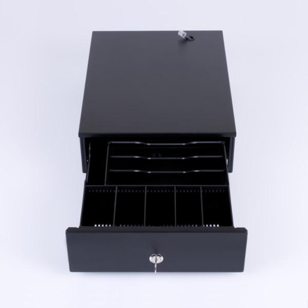HS-240B е касово чекмедже с управление от фискално устройство.